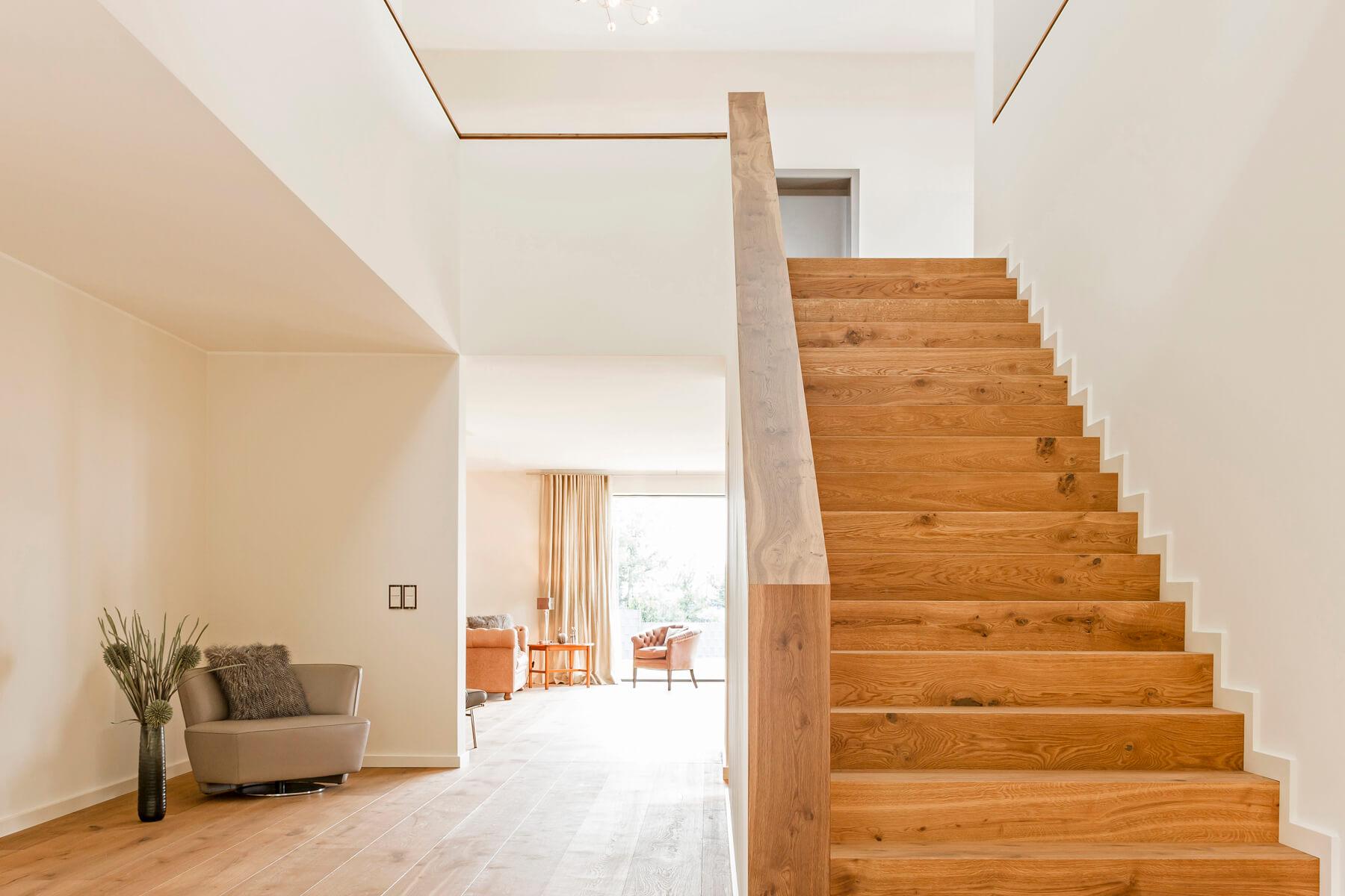 inneneinrichtung altholz und cortenstahl made by spreen k ster. Black Bedroom Furniture Sets. Home Design Ideas